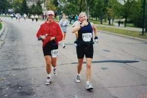 2 female runners
