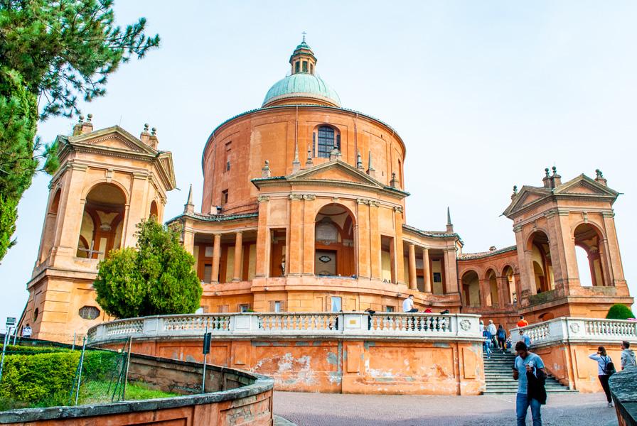 Ingresso Santuario Madonna di San Luca Bologna