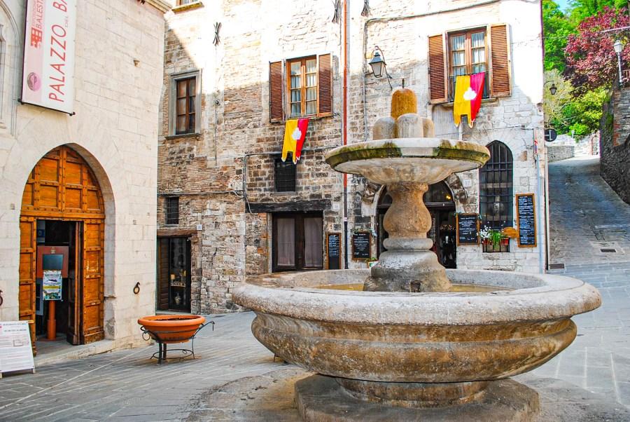Fontana-del-bargello-gubbio
