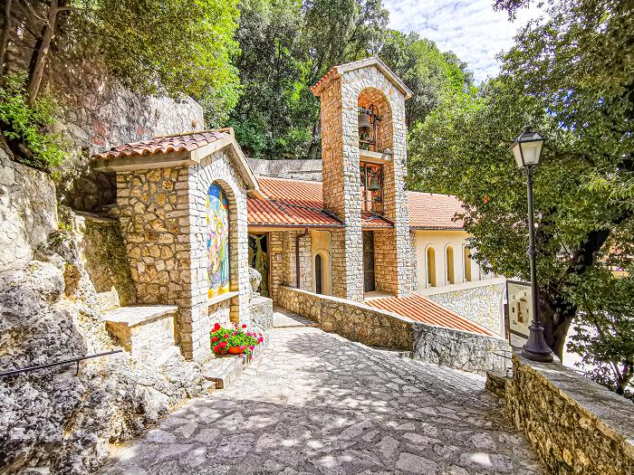 santuario-greccio-valle-sanata