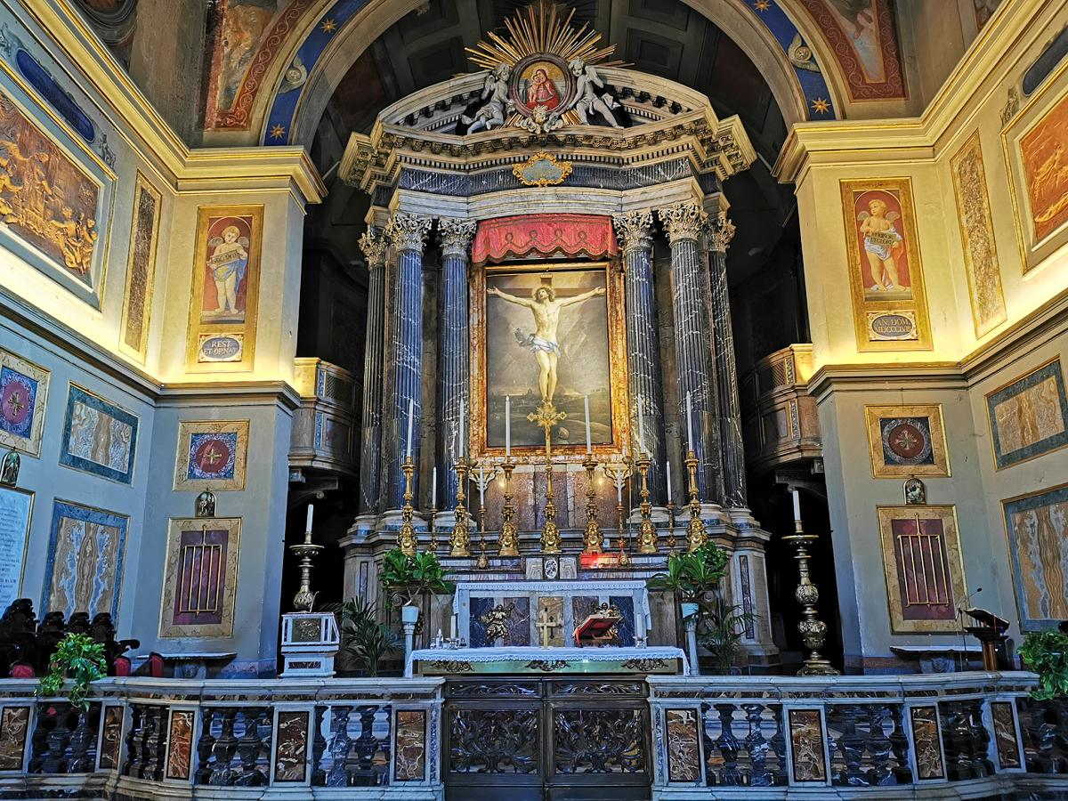 San-Lorenzo-in-Lucina-curiosità