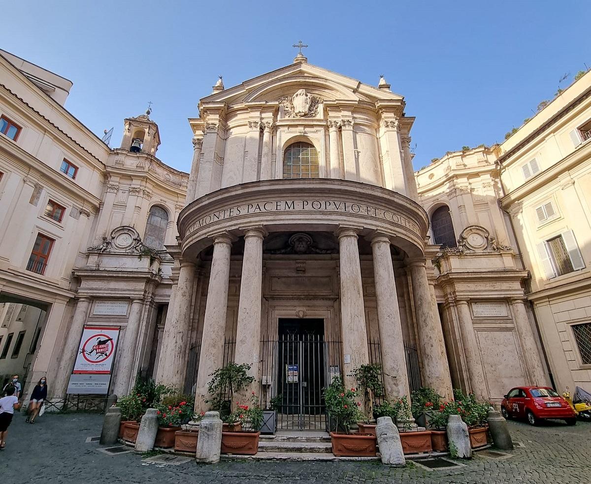 chiesa-di-santa-maria-della-pace-Roma