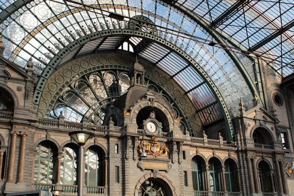 travel thursday ghent belgium fashion blogger ibis accor hotels report13