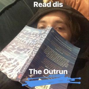 """Toby Regbo suggerisce la lettura di """"Outrun"""""""