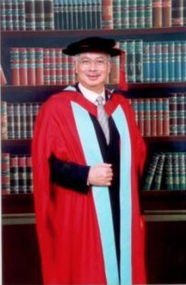 Najib's life-sized portrait at Nottingham in honour of their 'favourite alumni' - but did he sit his exams?