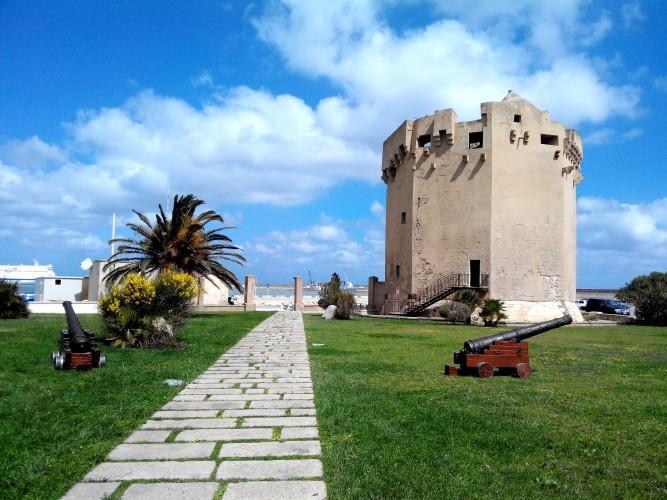 La Torre Aragonese di Porto Torres (di Alba Rosa Galleri)