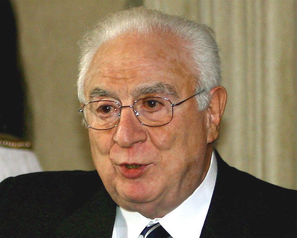 28 aprile 1992: le dimissioni di Cossiga il complottista (di Giampaolo Cassitta)