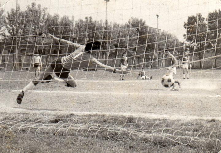 25 aprile 1985, un goal perfetto, un mondo quasi perfetto. (di Luca Ronchi)