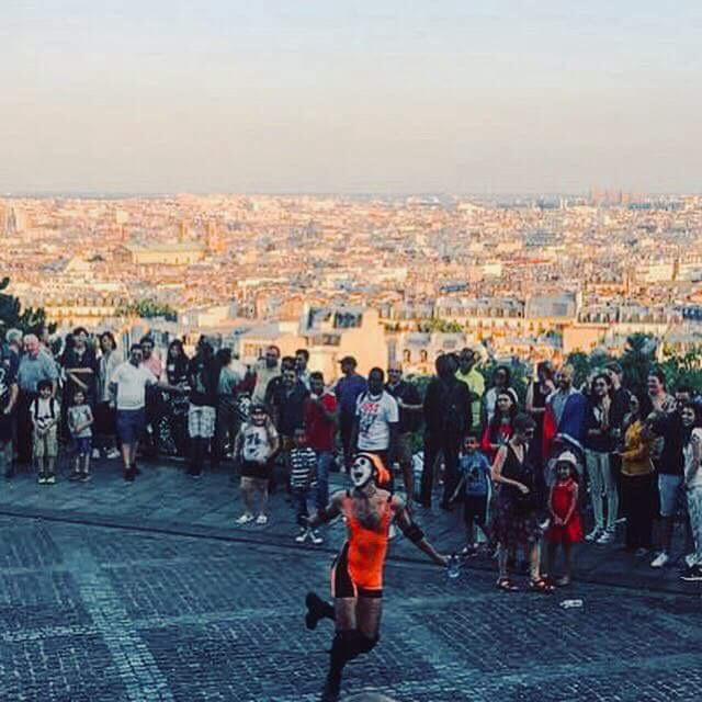 Il saltimbanco di Montmartre (di Francesco Giorgioni)