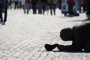 Hanno abolito la povertà. (di Giampaolo Cassitta)