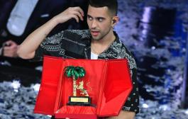 La sostenibile leggerezza di Mahmood e i porti aperti di Sanremo (dal divano di Giampaolo Cassitta)
