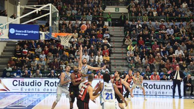 Photo of La Dinamo lotta e vince con Varese