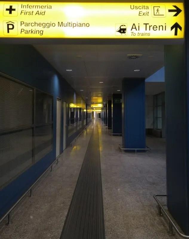 cagliari-airport-hallway-to-trains