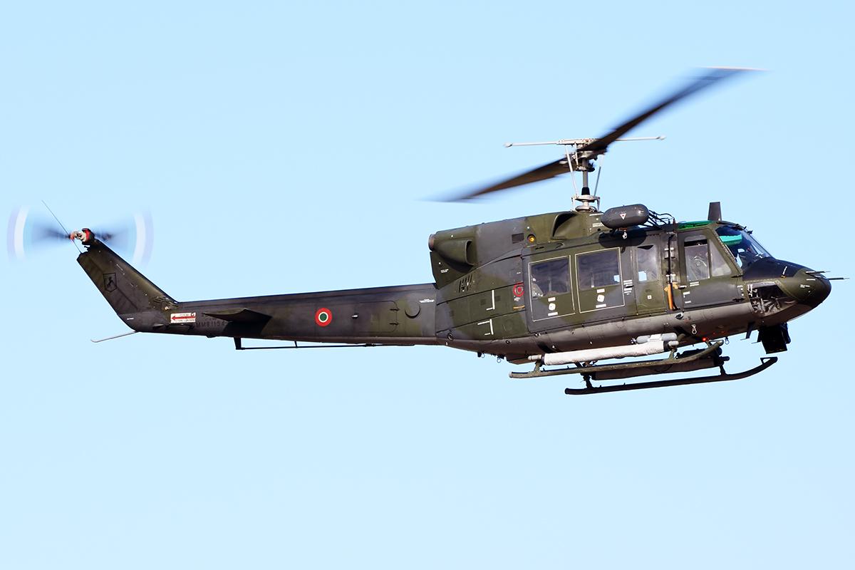 Un Elicottero : Un elicottero dell aeronautica militare salva un passeggero di una