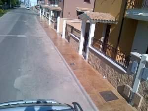 marciapiedi stradali in cemento stampato roccia
