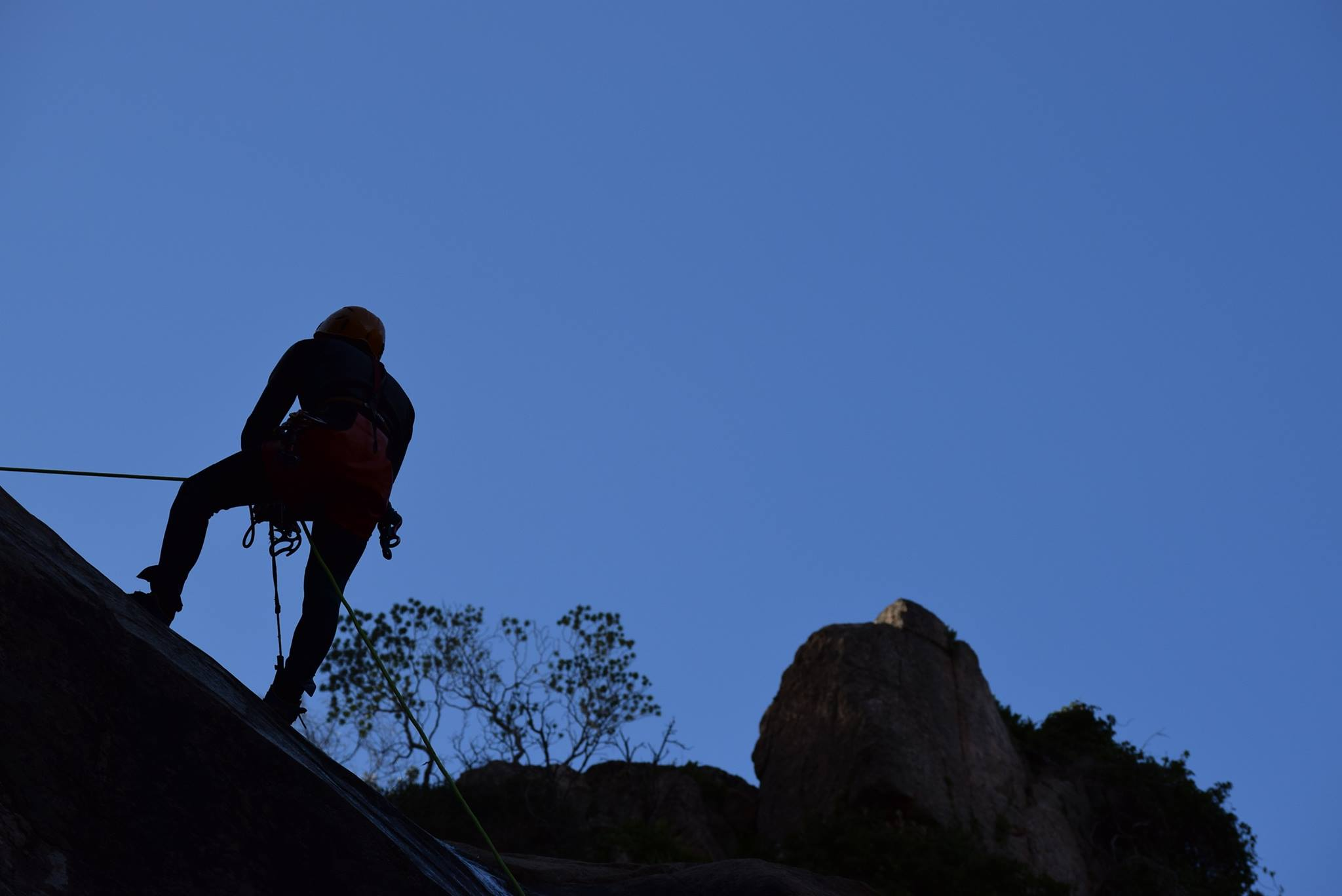 canale de urgua, canyoning sardinia, waterfall descent,
