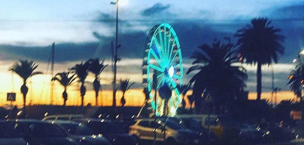 Dieses Bild hat ein leeres Alt-Attribut. Der Dateiname ist Riesenrad-Cagliari-Foto-Fiorella-Sanna-1024x491.jpg