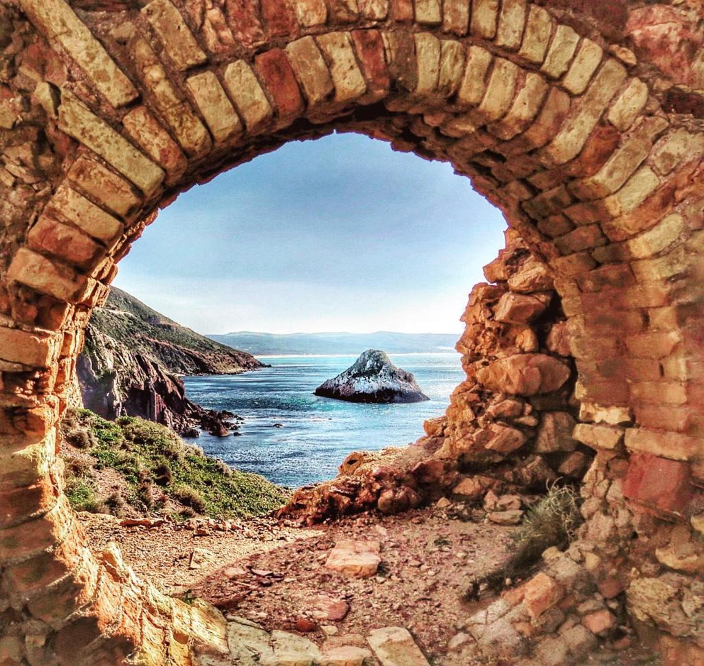 Dieses Bild hat ein leeres Alt-Attribut. Der Dateiname ist La-Marmora-Foto-Enrico-Napoleone-1024x969.jpg