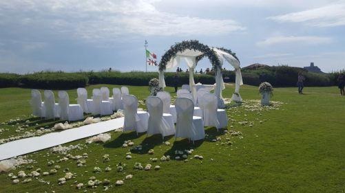 Mit einer atemberaubenden Lage am Meer und einem unverwechselbaren mediterranen Flair begeistert das Baia di Nora Hochzeitspaare aus den nördlichen Gefilden. Copyright Foto: Hotel Baia di Nora