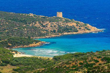 Inseln und Inselgruppen vor Sardinien: Cala d'Arena auf Asinara