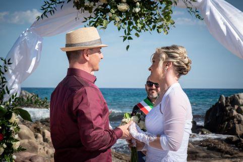 Elopement Wedding – Strandhochzeit nur zu zweit
