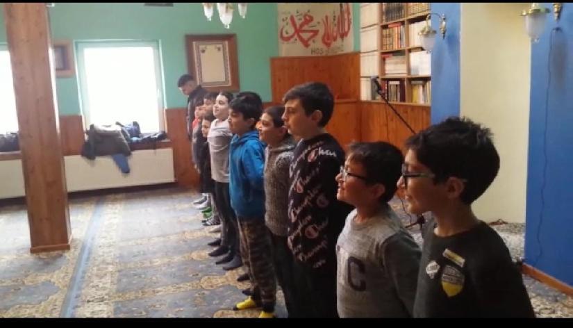 Belçika'da genç kardeşlerimiz nefes eğitimi alıyorlar