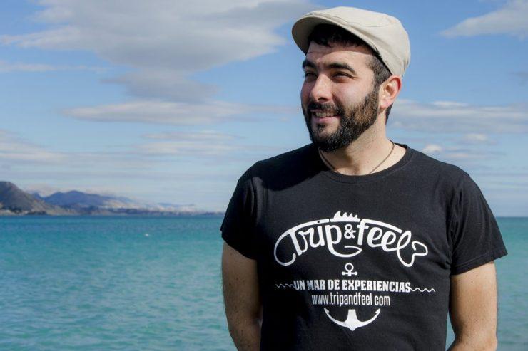 Diseño camisetas corporativas - Estudio de diseño - comunicación corporativa - agencia de publicidad Alicante Sàrsia Publicitat - vinilo de corte