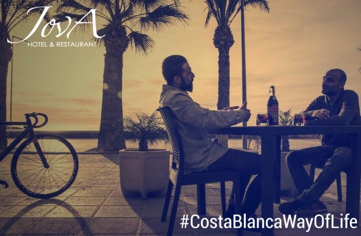 Campagne de publicité Été de Jova Restaurant dans El Campello : designs pour Facebook et flyers