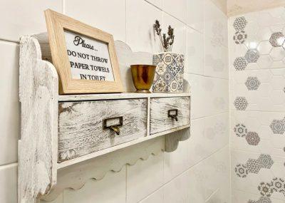 bathroom green room saschiz 130