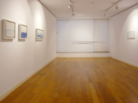 Sala interior | Estructura móvil B 3 porcelanas de 33 x 66 cm y de 32 x 32 cm 1 óleo de 30 x 60 cm