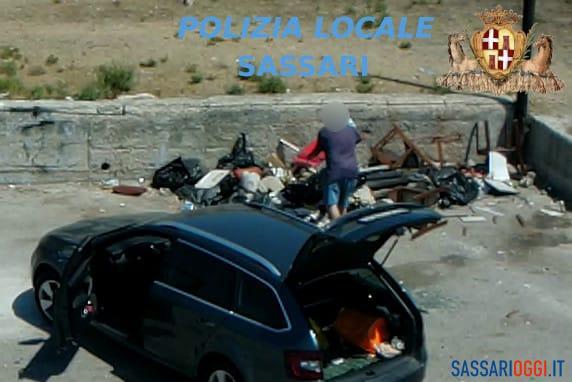 Rifiuti abbandonati e discariche abusive a Sassari: nuova raffica di multe