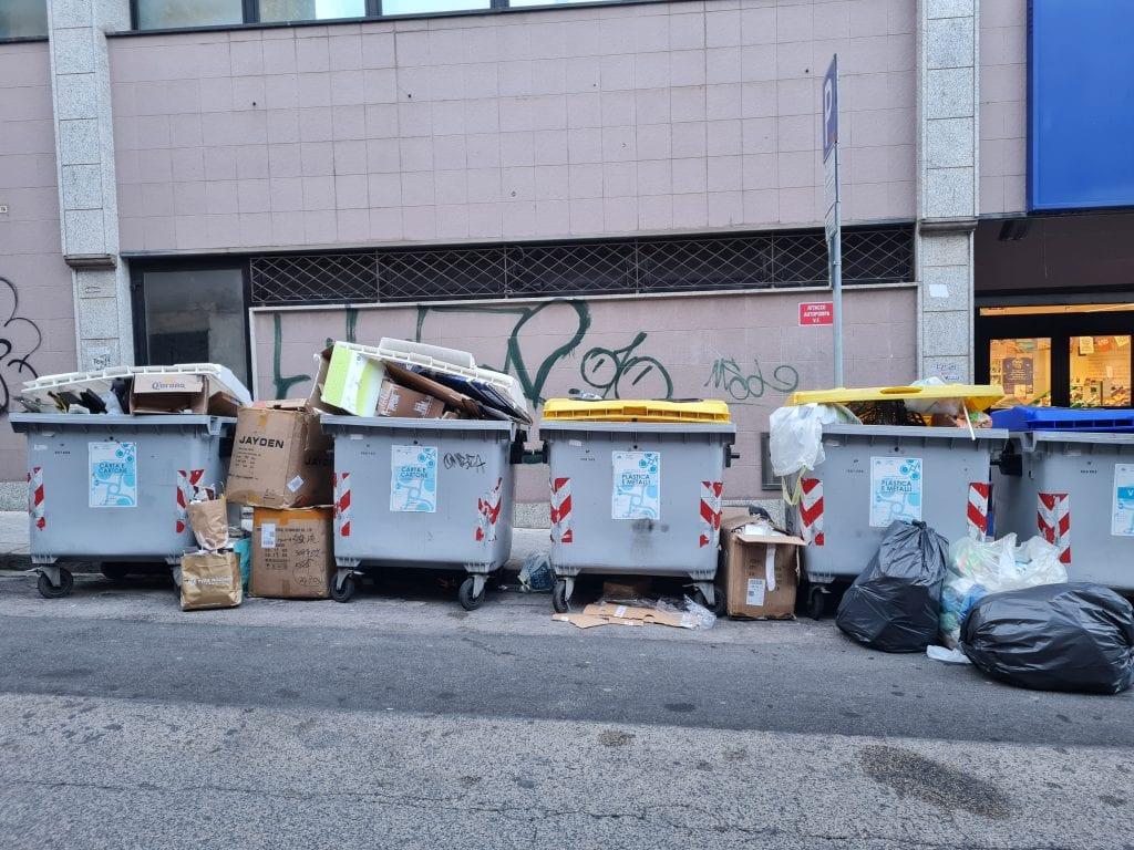 Disservizi nella raccolta dei rifiuti a Sassari, maxi multa dal Comune ai gestori