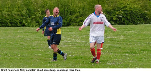 Grant Foster and Neil Richardson appealing to the referee.
