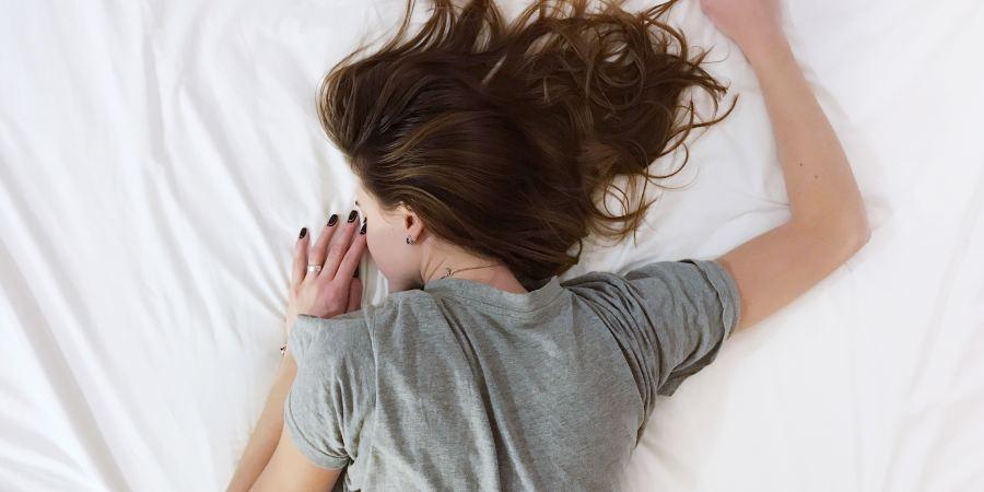 Beauty Hacks: How To Look Radiant After a Bad Night's Sleep - SassyCritic.com