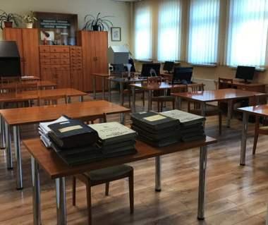 Digital Archives for Genealogy