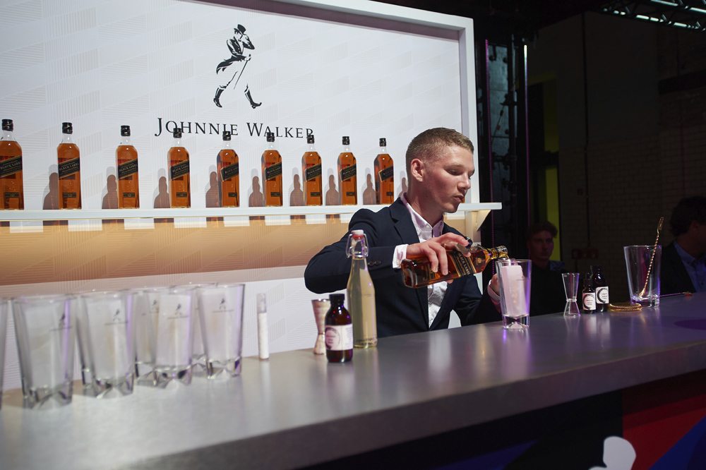 Trend Forecasting & Cocktails with Diageo Reserve's GB World Class Bartender 2018, Daniel Warren