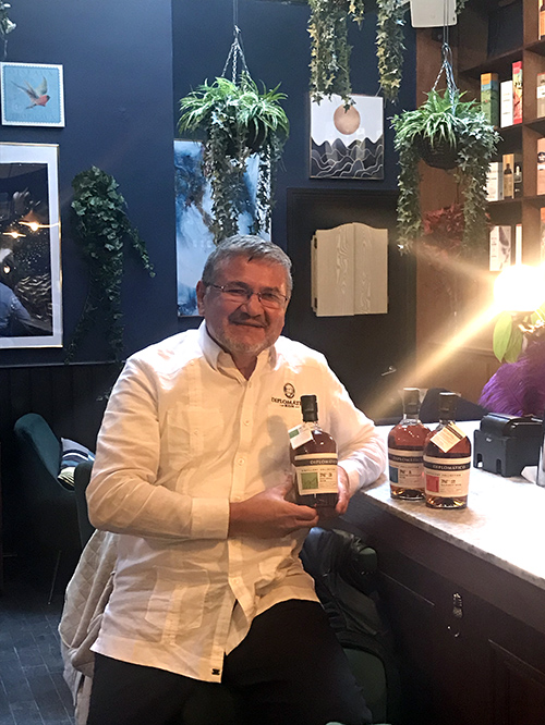 Maestro Ronero Nelson Hernandez Diplomatico Rum