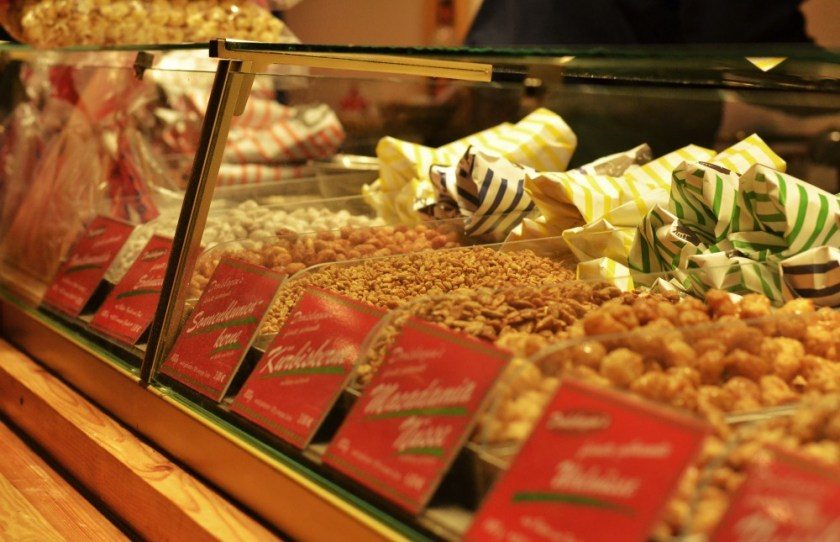 Sugar-roasted nuts, Christmas market in Göttingen, Germany