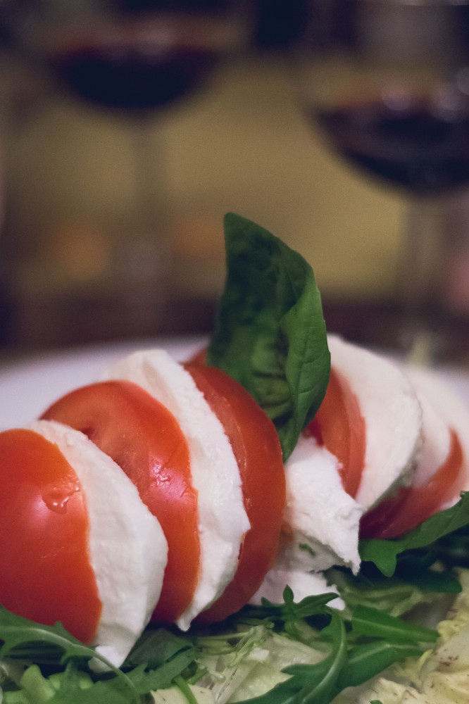 The prettiest presentation of a caprese salad in Florence, Italy