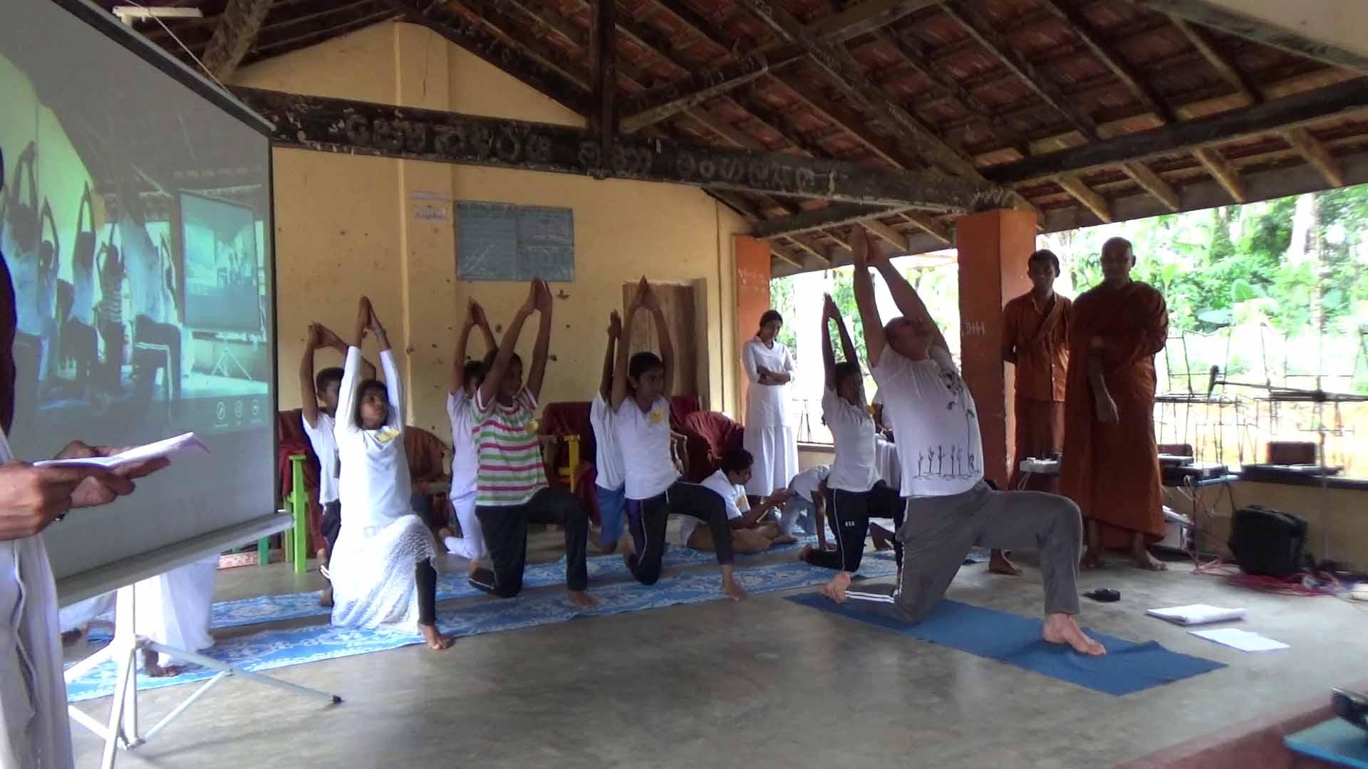 Sati Camp at Meethirigala Kanishta Vidyalaya-yoga session (24)
