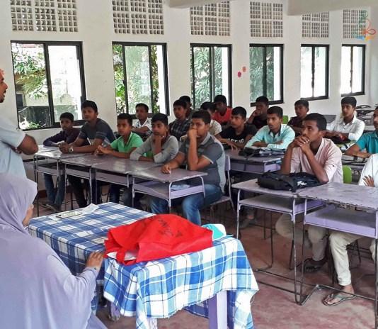 Sati Pasala at As-Siraj Muslim Boys School