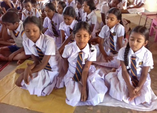Maha Vidyalaya, Handessa
