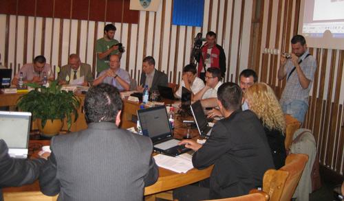 Prefectul Giurcă pus la respect de Consiliul Local