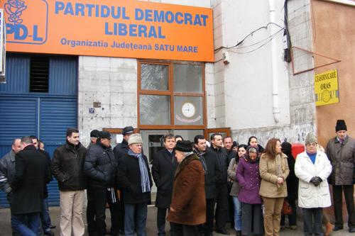 PSD-iştii au pichetat sediul PD-L
