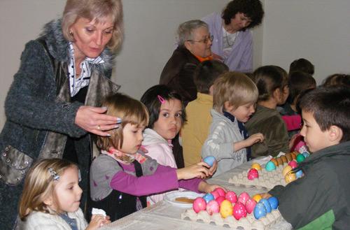 Vopsirea tradiţională a ouălor de Paşte