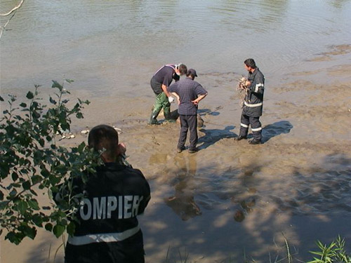 Cadavrul unui tânăr, scos din Someș