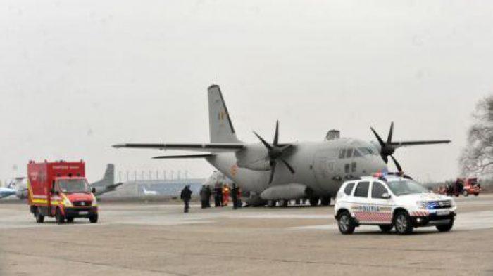 Victimele exploziei de la ștrandul din Acâș, transportați cu un avion militar la București