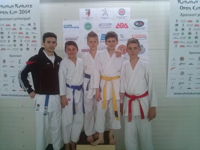 """Karateka din Carei au avut o evoluție excelentă la """"Kuranai Karate Open Cup"""" 2014"""