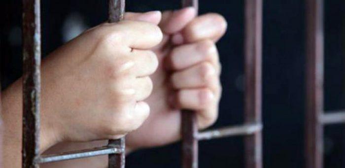 Doi infractori, încarcerați