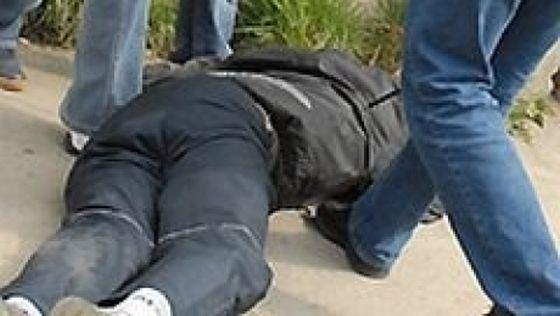 Familie terorizată la Turulung. O persoană, desfigurată în bătaie